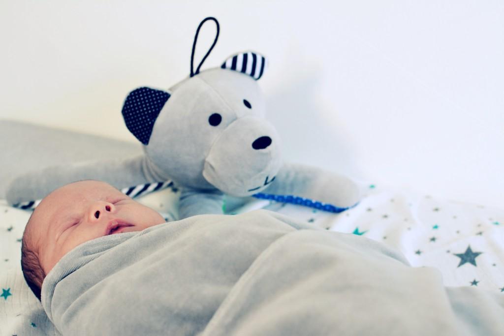 otulanie noworodka