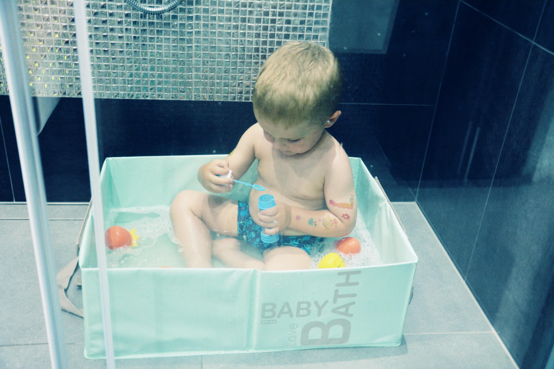 Kabina Prysznicowa Jak Wykąpać Małe Dziecko Sprawdz Pomysł