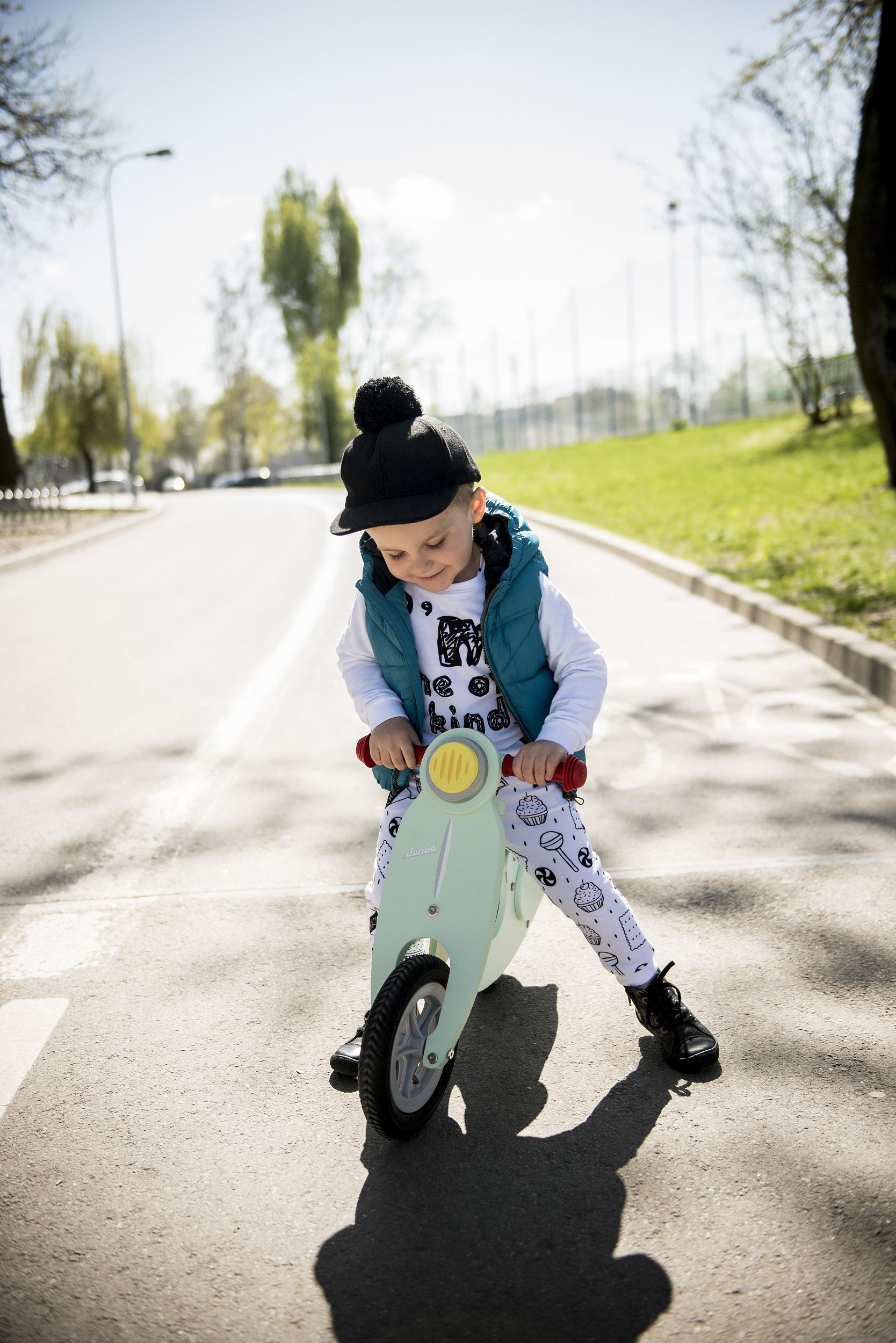 miętowy rowerek dla dziecka
