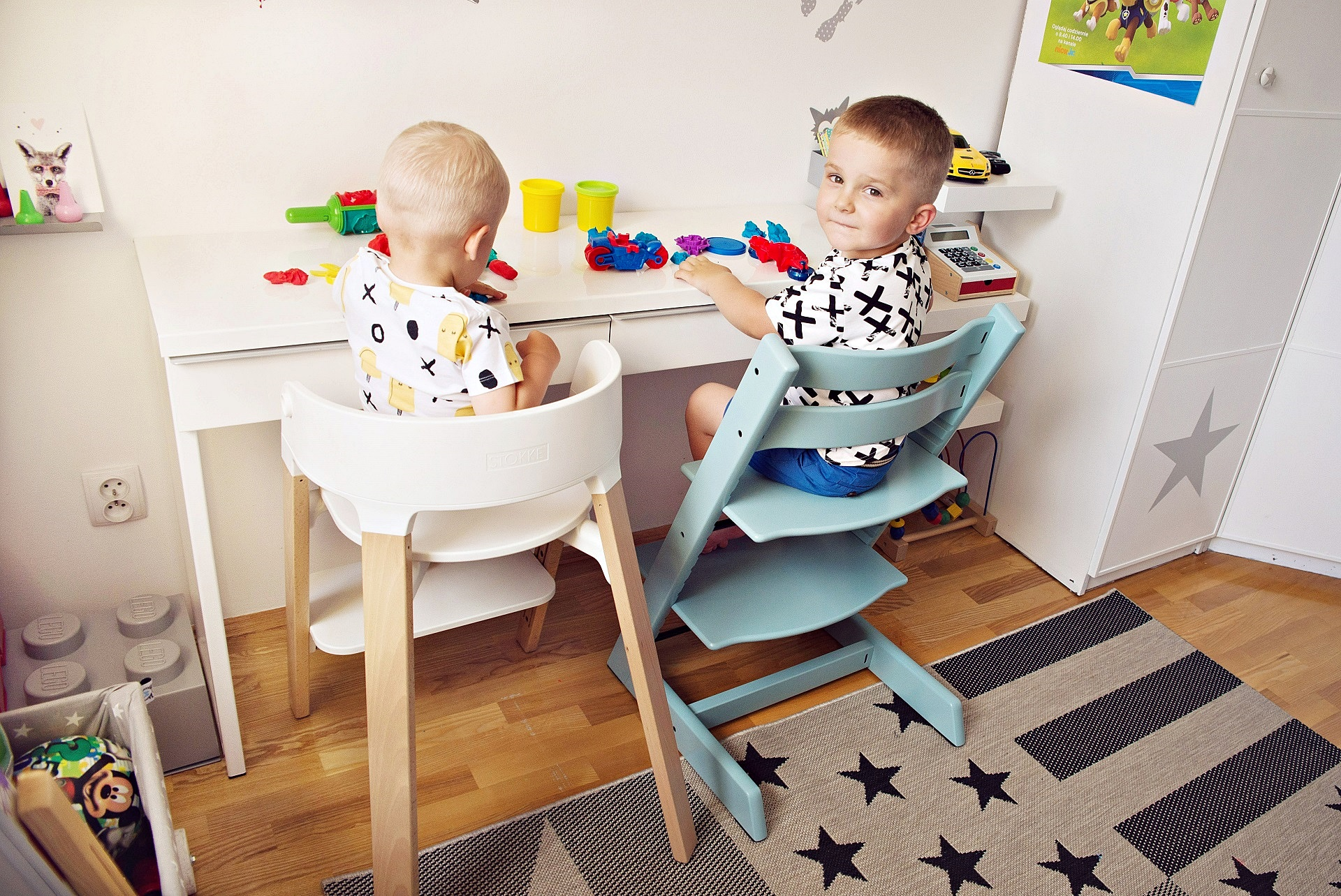krzes o stokke steps czy tripp trapp kt re wybra. Black Bedroom Furniture Sets. Home Design Ideas