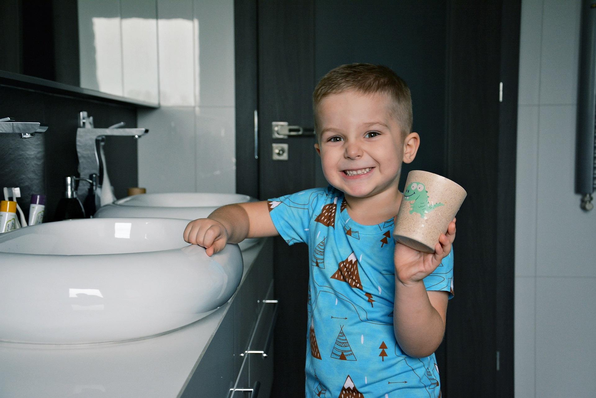 dziecko nie chce myć zębów