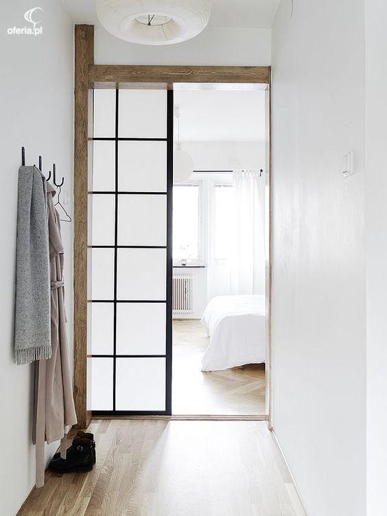 drzwi szklane w połączeniu z drewnem